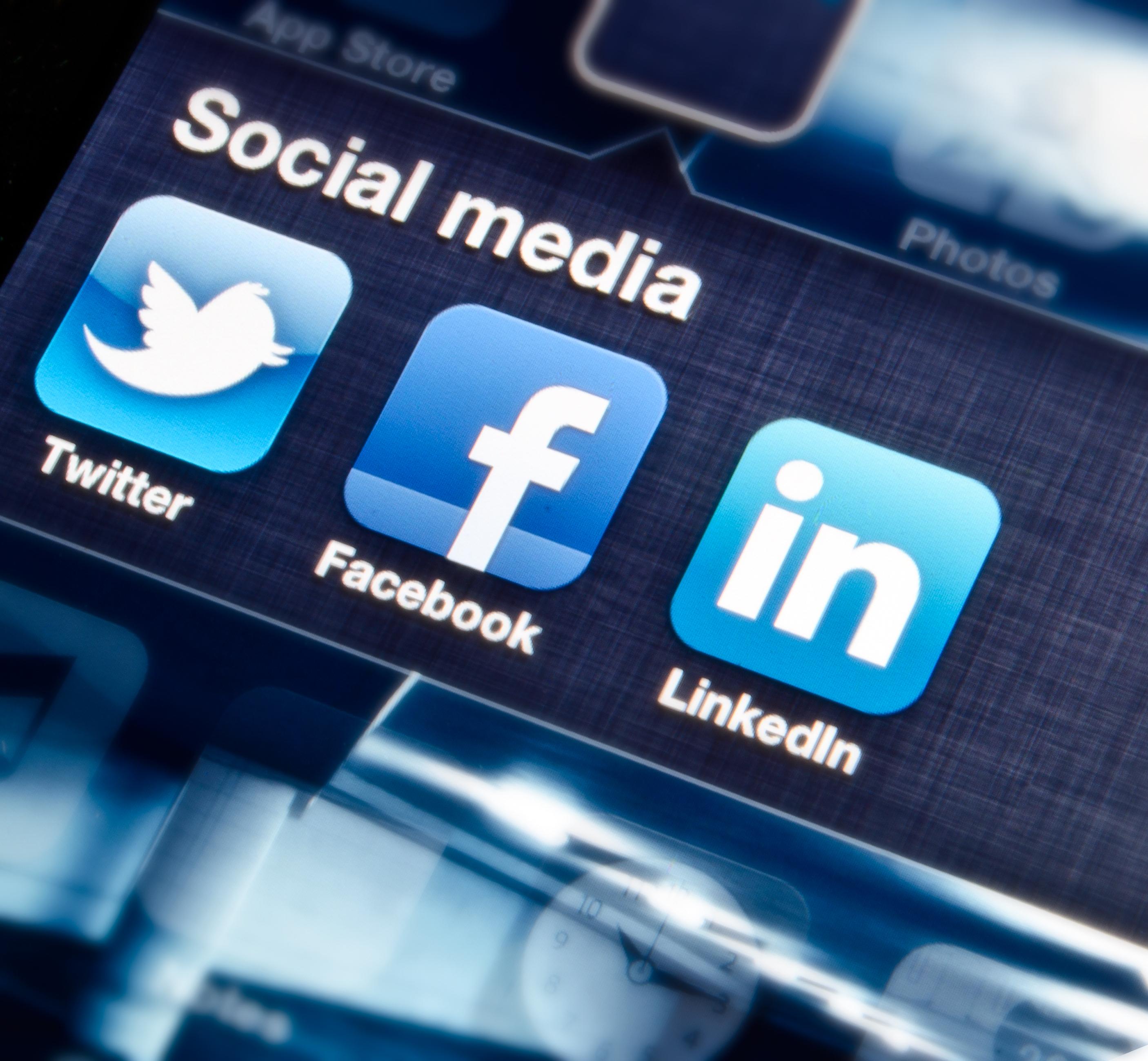 Facebook-LinkedIn-Twitter